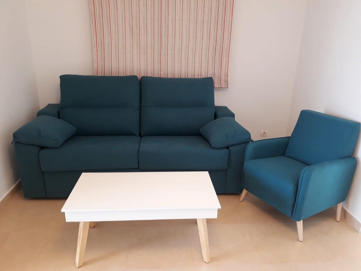 Sofá cama legos en cliente con butaca y mesa sweden